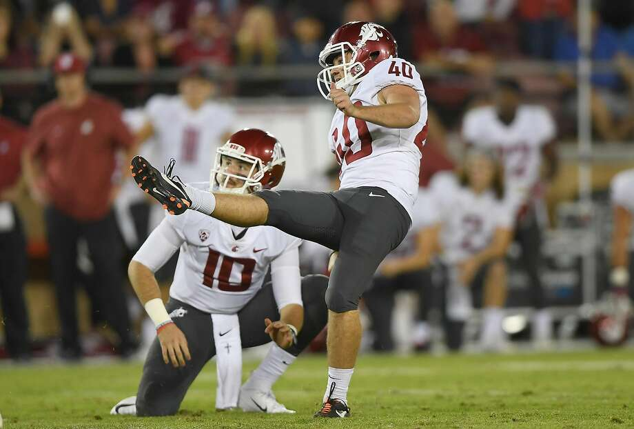 Redshirt freshman kicker Blake Mazza kicked a 42-yard field goal with 19 seconds left as Washington State edged Stanford 41-38. Stanford had tied the game just 66 seconds earlier. Photo: Thearon W. Henderson / Getty Images