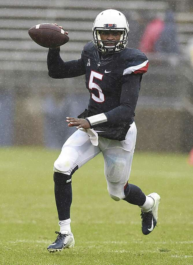 UConn quarterback David Pindell. Photo: Jessica Hill / Associated Press / Copyright 2018 The Associated Press. All rights reserved