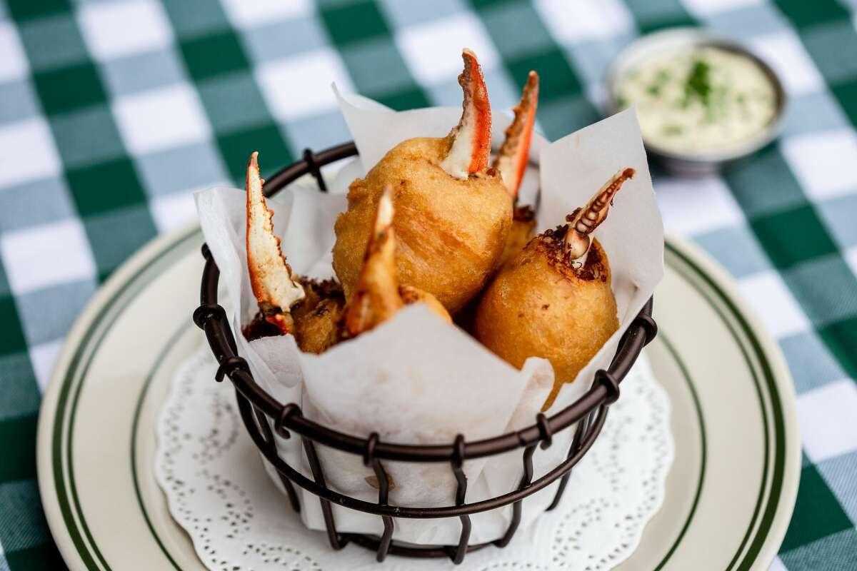 Houstonians will soon have several new dining options. B.B. Lemon will serve blue crab beignets. >>> Scroll through for more restaurants opening in November.