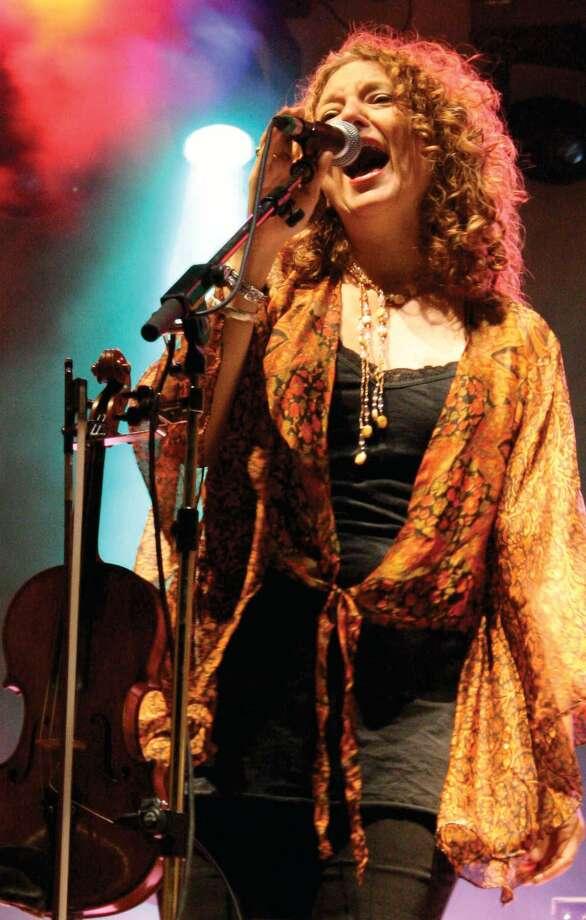 Grammy Award-winning violinist, singer and songwriter, Lisa Gutkin Photo: JCC