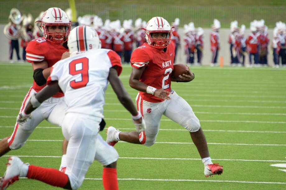 Deondrick Glass (2) of Katy carries the ball in the second quarter of a high school football game between the Katy Tigers and the Atascocita Eagles on Saturday, September 8, 2018 at Legacy Stadium, Katy, TX. Photo: Craig Moseley, Houston Chronicle / Staff Photographer / ©2018 Houston Chronicle