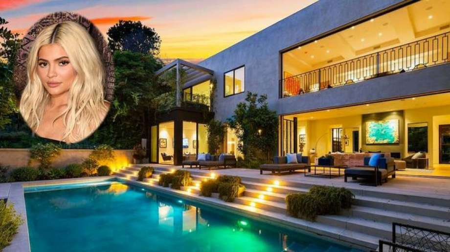 Kylie Jenner and boyfriend Travis Scott recently snapped up a massive Beverly Hills home, and the purchase proves she knows how to score a sweet deal. Photo: REALTOR.com