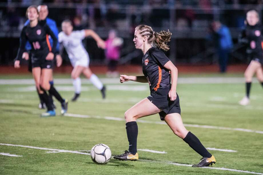 Bethelhem's Grace Hotaling moves the ball down field during the Class AA girls soccer finals against Shenendehowa at Stillwater High School Monday, October 29th, 2018 in Stillwater, NY. Photo by Eric Jenks, for the Times Union Photo: Eric Jenks / Eric Jenks 2018