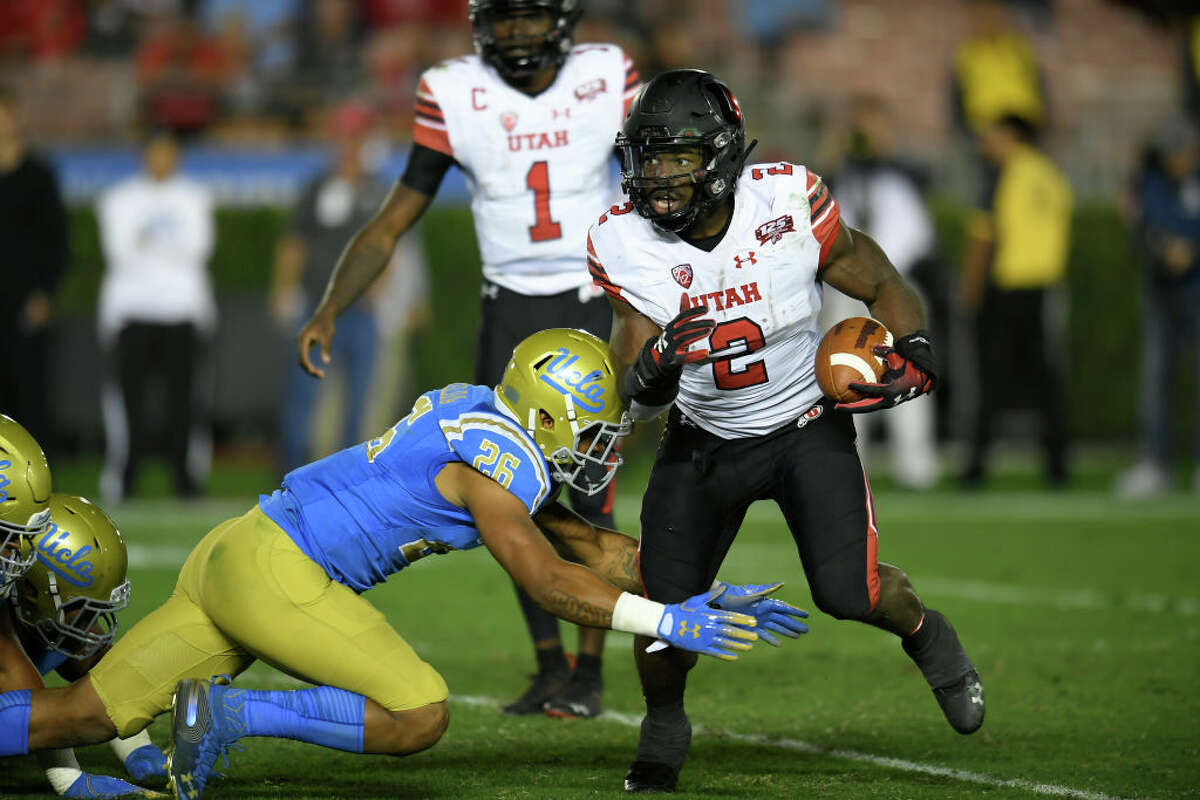 2. Utah Utes (6-2, 4-2 Pac-12) That the Utes have a stellar defense (No. 7 in the FBS) shouldn't come as a shock to anyone: head coach Kyle Whittingham has consistently led strong defensive teams. What's propelled the team to such a strong year though, is an lights-out rushing attack. Led by junior Zach Moss, the Utes have averaged 205 yards per game on the ground. Moss has been having a career year, averaging six(!) yards per carry en route to 964 yards and ten touchdowns. With the defense allowing just 287 yards to opponents and the offense racking up an average of 31 points, it's tough to see Utah losing to anyone on its schedule (ASU, Oregon, Colorado, BYU) from here on out.