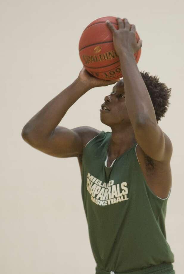 Midland College's Derrick Ogechi shoots baskets 10/29/18 during practice. Tim Fischer/Reporter-Telegram Photo: Tim Fischer/Midland Reporter-Telegram