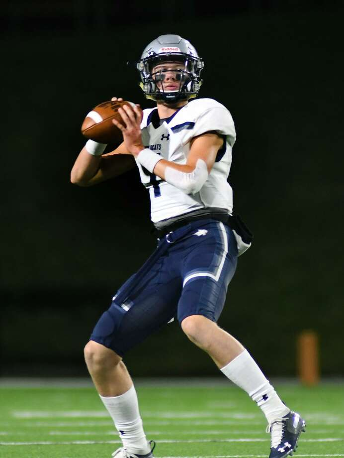 Tomball Memorial junior Chandler Galban was selected as a District 14-6A first team all-district quarterback. Photo: Jerry Baker, Houston Chronicle / Contributor / Houston Chronicle