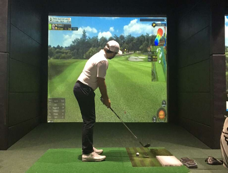 Swing Zone Golf is having a happy hour event from 3 to 7 p.m. every Monday through Thursday. Photo: Swing Zone Golf