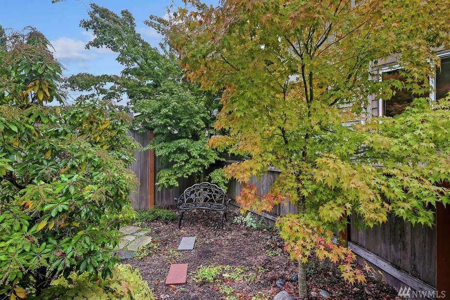 6514 42nd Ave. S.W. Unit B Seattle, WA 98136 listed for $540,000. See the full listing below. Photo: Aaron Calvo • Windermere R.E. Wall St. Inc.
