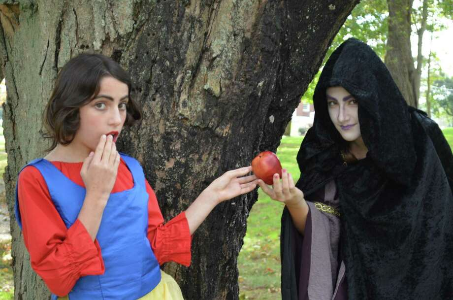 """Kidz Konnection Shoreline Theater Academy will delight audiences with the classic tale, """"Snow White & the Seven Dwarfs,"""" Nov. 17-18. Photo: Contributed Photo"""