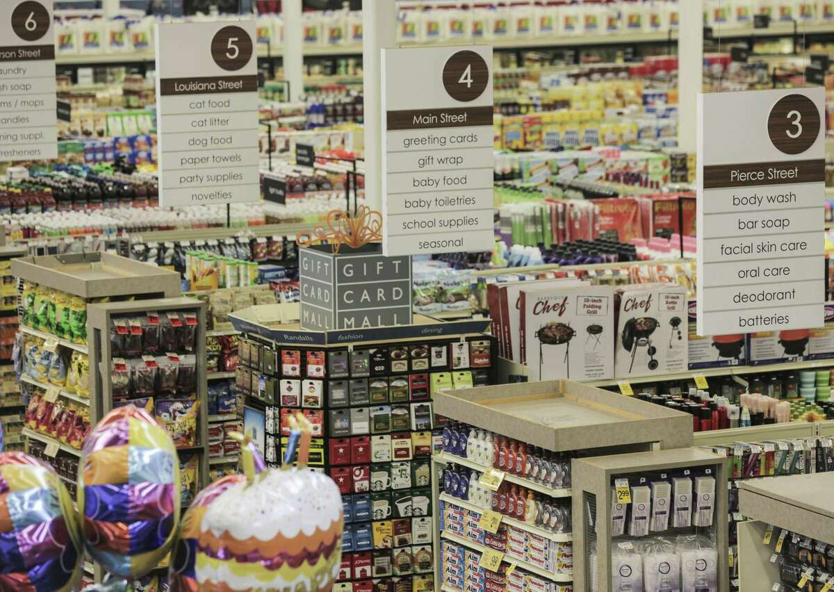 Aisles are not only numbered, but named after downtown streets as part of the new signage at Randall's Fresh on Wednesday, Aug. 17, 2016, in Houston. ( Elizabeth Conley / Houston Chronicle )