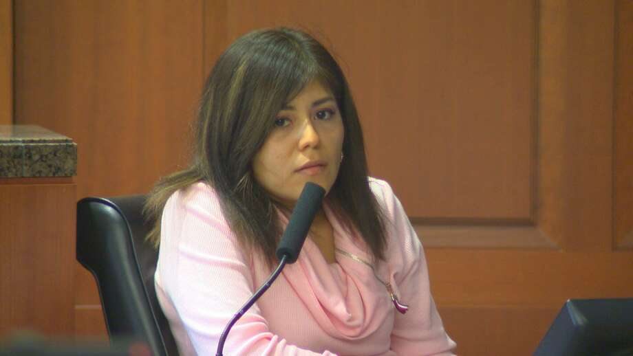 Maria Toral takes the witness stand on October 30, 2018 in the trial of Terry Thompson for the alleged murder of Toral's common-law husband 24-year-old John Hernandez. Photo: Brian Rogers
