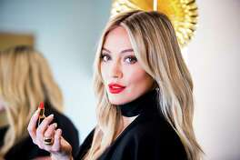 Hillary Duff, the former Disney star, now 29, who plays a career-focused editor on TV LandOs comedy OYounger,O in New York, May 16, 2017. Duff revels in her extensive beauty regimen. (Isak Tiner/The New York Times)-- PART OF A COLLECTION OF STAND-ALONE PHOTOS FOR USE AS DESIRED IN YEAREND STORIES AND RECAPS OF 2017 -- ORG XMIT: NYT76