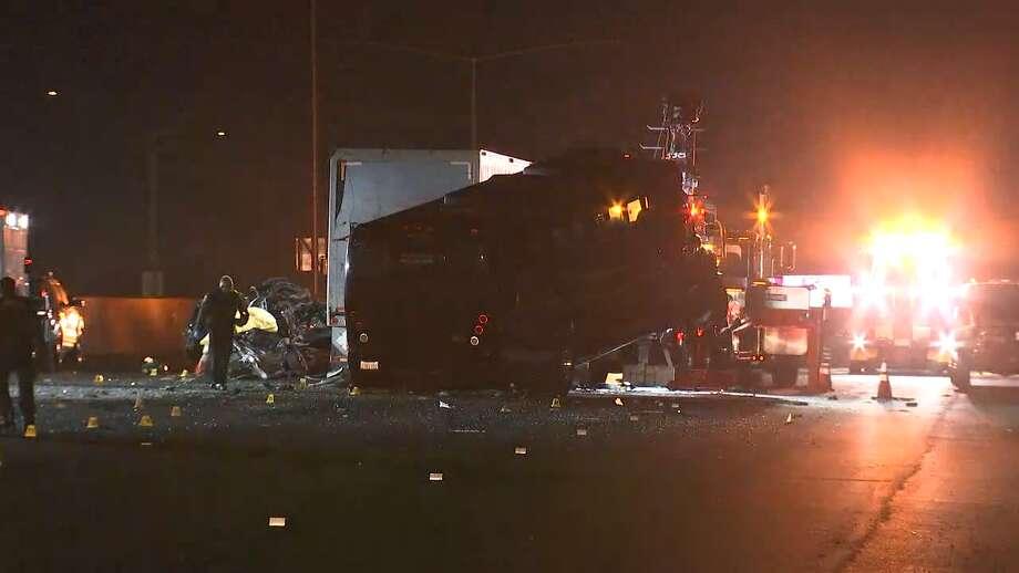 Tour bus crash kills two, shuts down northbound I-880