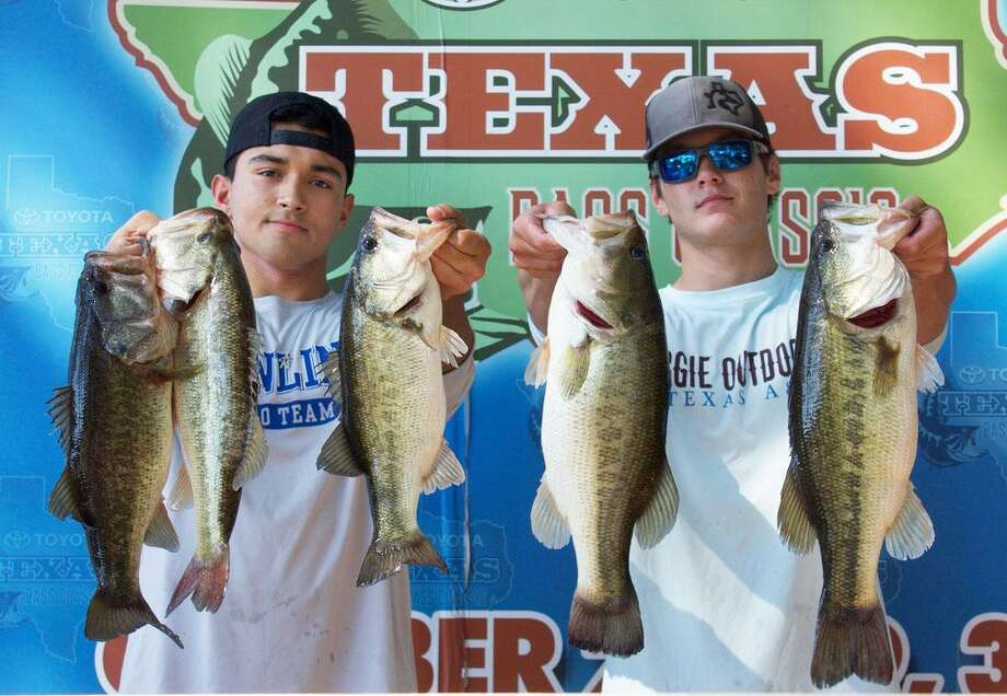 John Hernandez and Jayce Garrison came in first place in the Montgomery High School Angler's Club Benefit with a stringer weight of 20.42 pounds. Photo: Betsy Baney