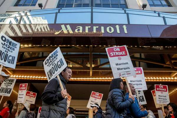 Temporary workers at striking SF Marriott hotel allege labor