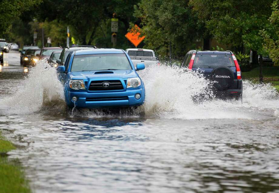 PHOTOS: Houston roads to avoid during a flood See a portion of the roads most likely to be barricaded during possible floods over the next 24 hours.  Photo: Mark Mulligan, Staff Photographer / © 2018 Mark Mulligan / Houston Chronicle