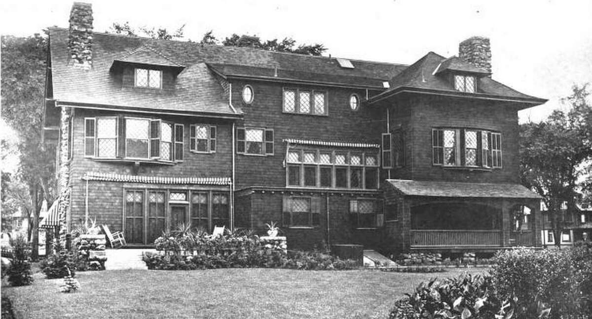 Hendee House at 703 Whitney Ave. as it looked in 1903. It was the Red Cross headquarters for more than 50 years and is being converted to apartments.