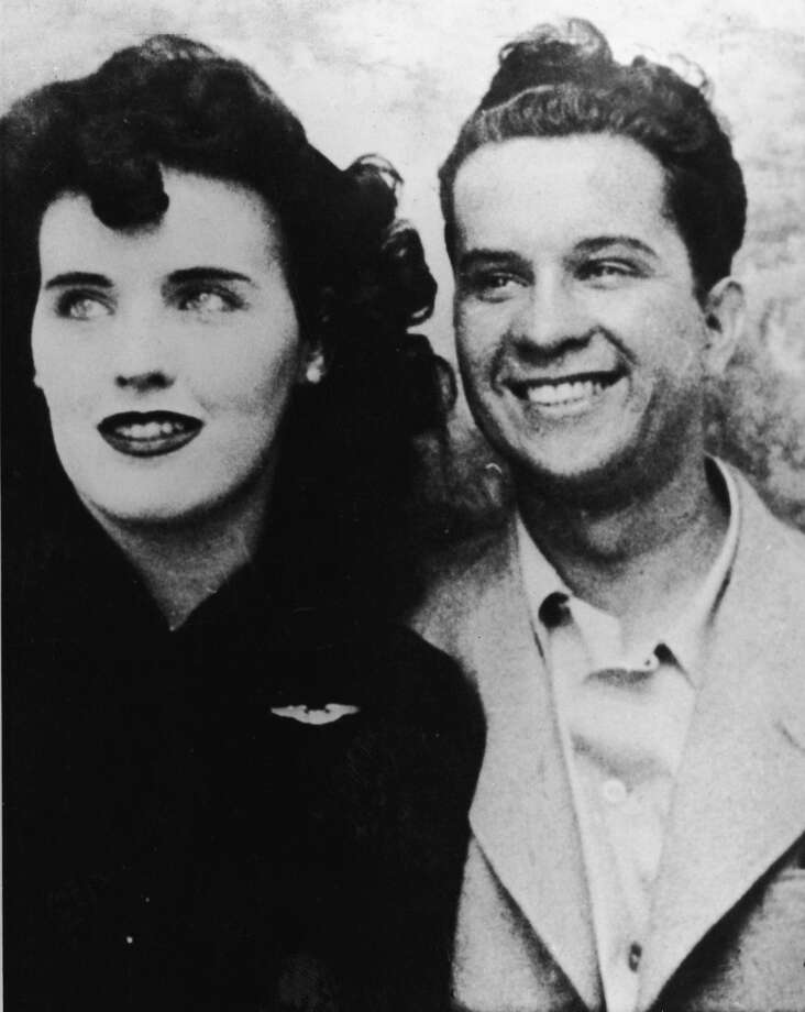 Photograph probably taken in a photo booth of murder victim Elizabeth Short (1924 - 1947), known as the 'Black Dahlia,' and an unidentified man, mid 1940s. Some experts believe this man to be a suspect in the still unsolved murder. Photo: Archive Photos/Getty Images