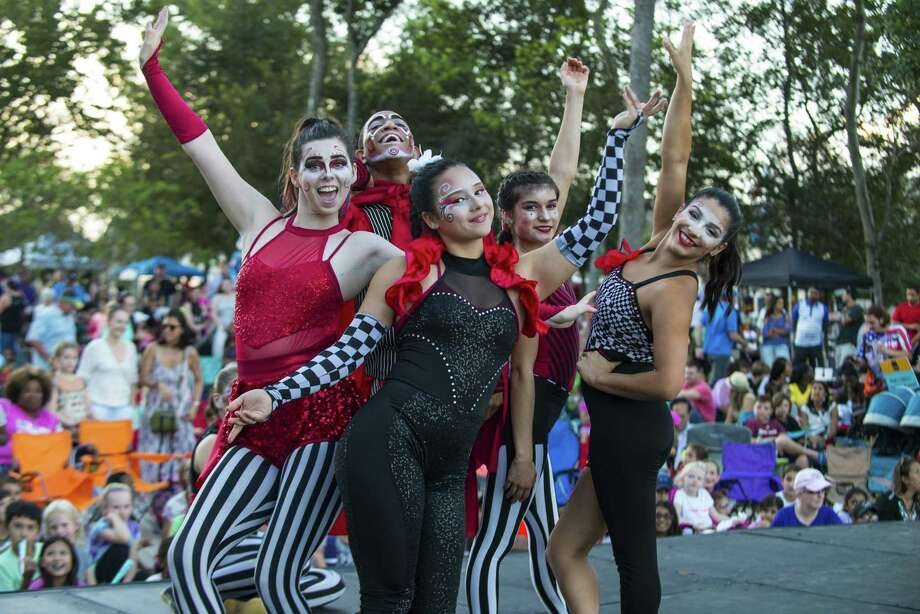 The Houston-based modern circus Cirque La Vie was the featured entertainment during a recent event in Sienna Plantation that drew thousands of area residents. Photo: Courtesy Photo