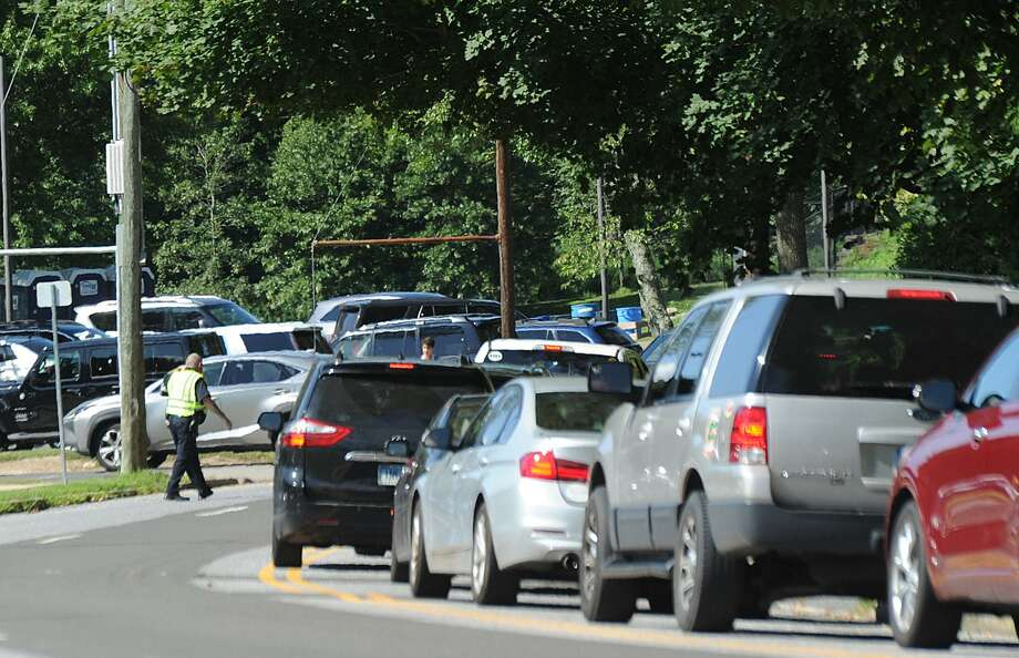 Traffic on Hillside Road in front of Greenwich High School during dismissal on the first day of school in Greenwich, Conn., Thursday, August 30, 2018. Photo: Bob Luckey Jr. / Hearst Connecticut Media / Greenwich Time
