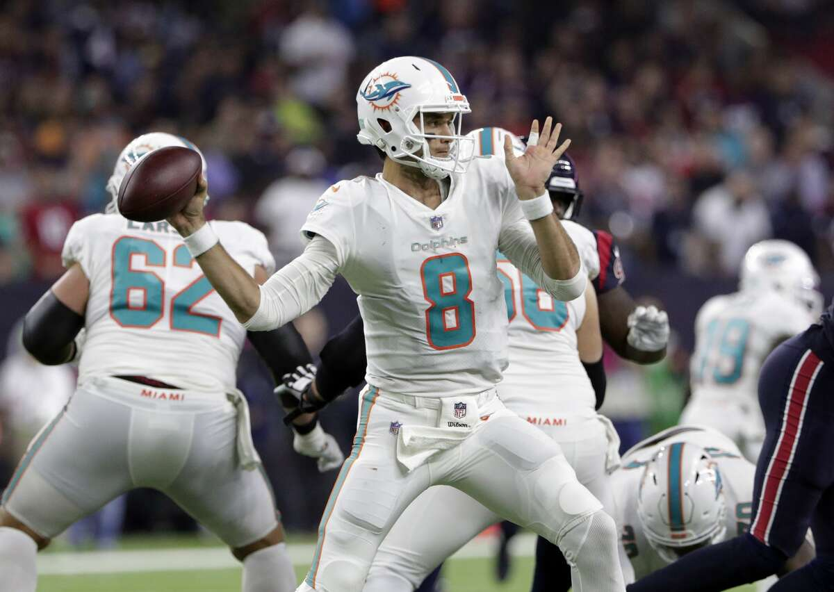 N.Y. Jets plus-3 at Miami Dolphins 21-17