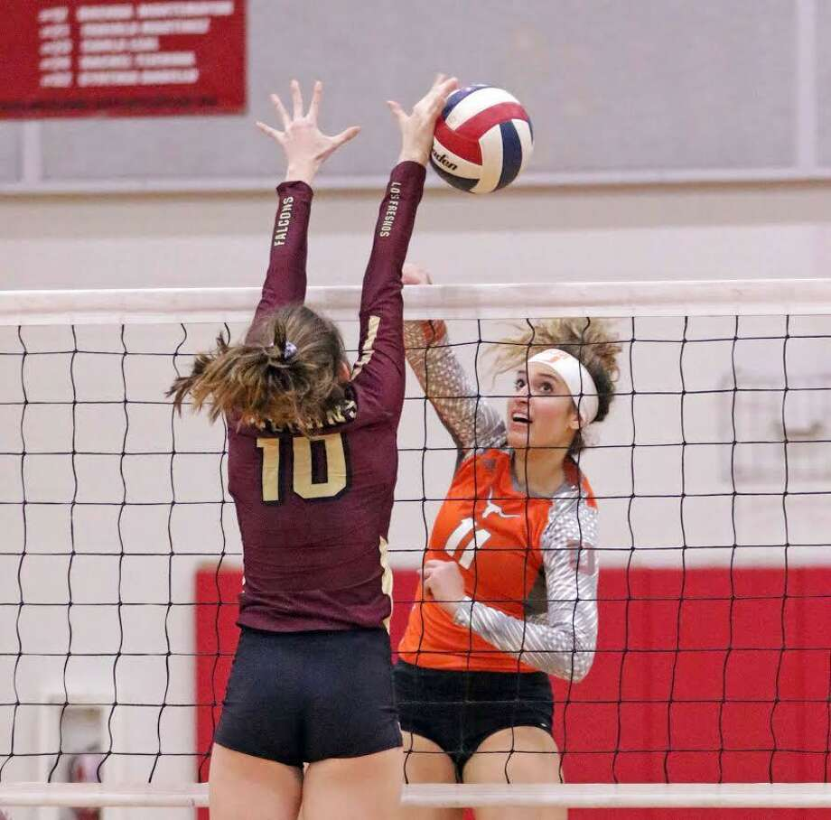 Junior Lauren Arzuaga recorded a game-high 20 kills in United's 3-0 sweep over Los Fresnos Thursday in the second round of the postseason. Photo: Clara Sandoval /Laredo Morning Times