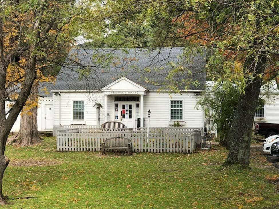 The front of the Woodstock Library, which is currently in the middle of a debate: To eliminate and renovate, or to preserve? (Courtesy of the Woodstock Library)