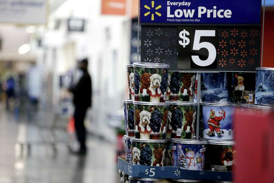 Houston families are expected to spend an average of more than $1,500 on holiday shopping this year, according to a Deloitte survey. Photo: Julio Cortez, STF / Associated Press / Copyright 2017 The Associated Press. All rights reserved.