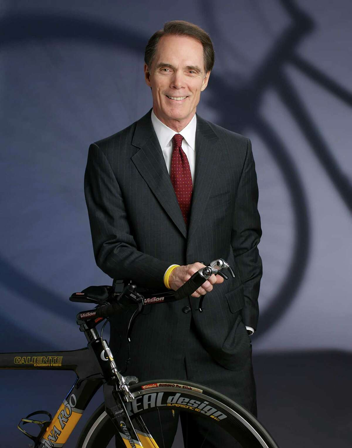 David Holsey, who served two terms on the Lone Star College board of trustees, is a dentist and national-ranking triathlete with experience as a homeowner's association board member, dental professor and regional mentor for the Lance Armstrong Foundation.