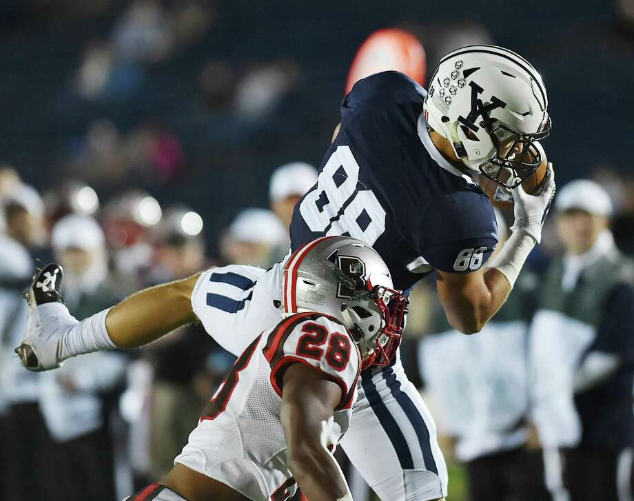 Yale wide receiver JP Shohfi receives a pass in the end zone to score a touchdown against Brown on Nov. 3, 2017. Photo: Hearst Connecticut Media File Photo / New Haven Register