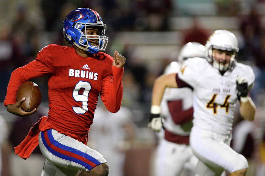 West Brook quarterback La'Ravien Elia carries against Deer Park at Beaumont ISD Memorial Stadium on Friday night. 