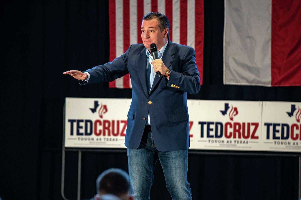 Senator Ted Cruz, a Republican from Texas, speaks during a campaign rally in Athens, Texas, U.S., on Friday, Nov. 2, 2018. Cruz is holding on to a narrow lead over Democratic challengerBeto O'Rourkeamong likely voters. Photographer: Sergio Flores/Bloomberg