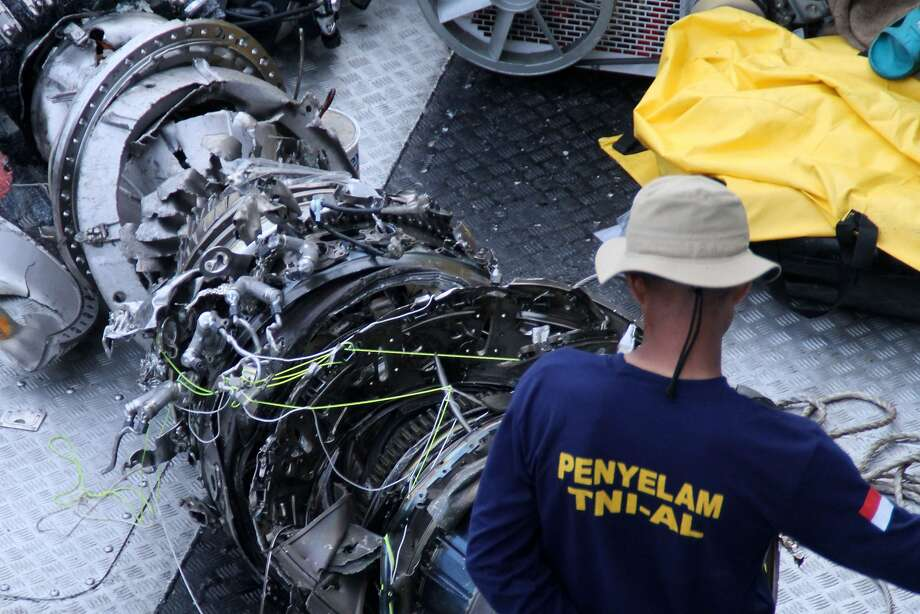 A portion of an engine from the Lion Air flight is among debris recovered from the jetliner that crashed just minutes after takeoff from Jakarta early Monday, killing all 189 people on board. Photo: Azwar Ipank / AFP / Getty Images