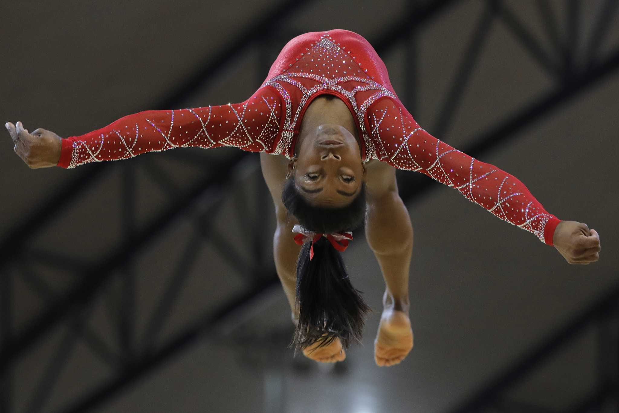 Simone Biles hauls in another gold, bronze at worlds