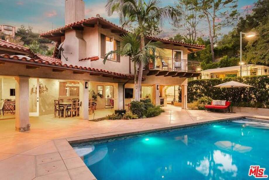 Anna Faris and Chris Pratt purchased this L.A. home for $3.3 million in 2013. Recently, they put the glamorous property on the market for $5 million. Photo: Realtor.com