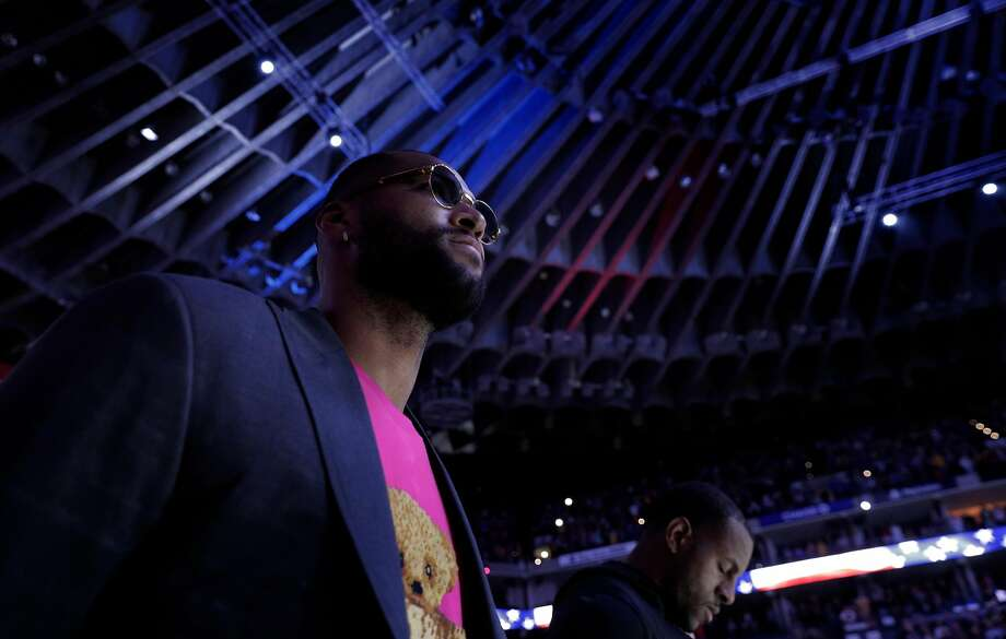 DeMarcus Cousins during the national anthem before the Golden State Warriors played the New Orleans Pelicans at Oracle Arena in Oakland, Calif., on Wednesday, October 31, 2018. Photo: Carlos Avila Gonzalez, The Chronicle