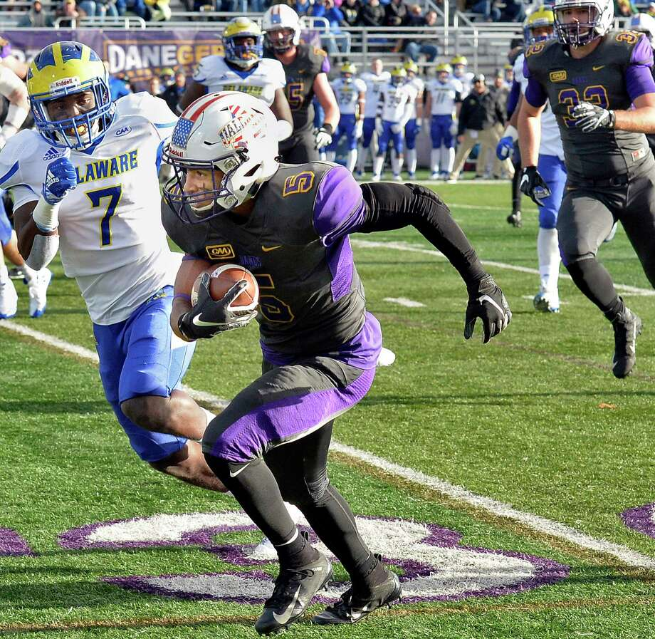 UAlbany's #5 Dev Holmes out runs Delaware's defense during Saturday's Colonial Athletic Association game Nov. 3, 2018 in Albany, NY.  (John Carl D'Annibale/Times Union) Photo: John Carl D'Annibale / 20044845A