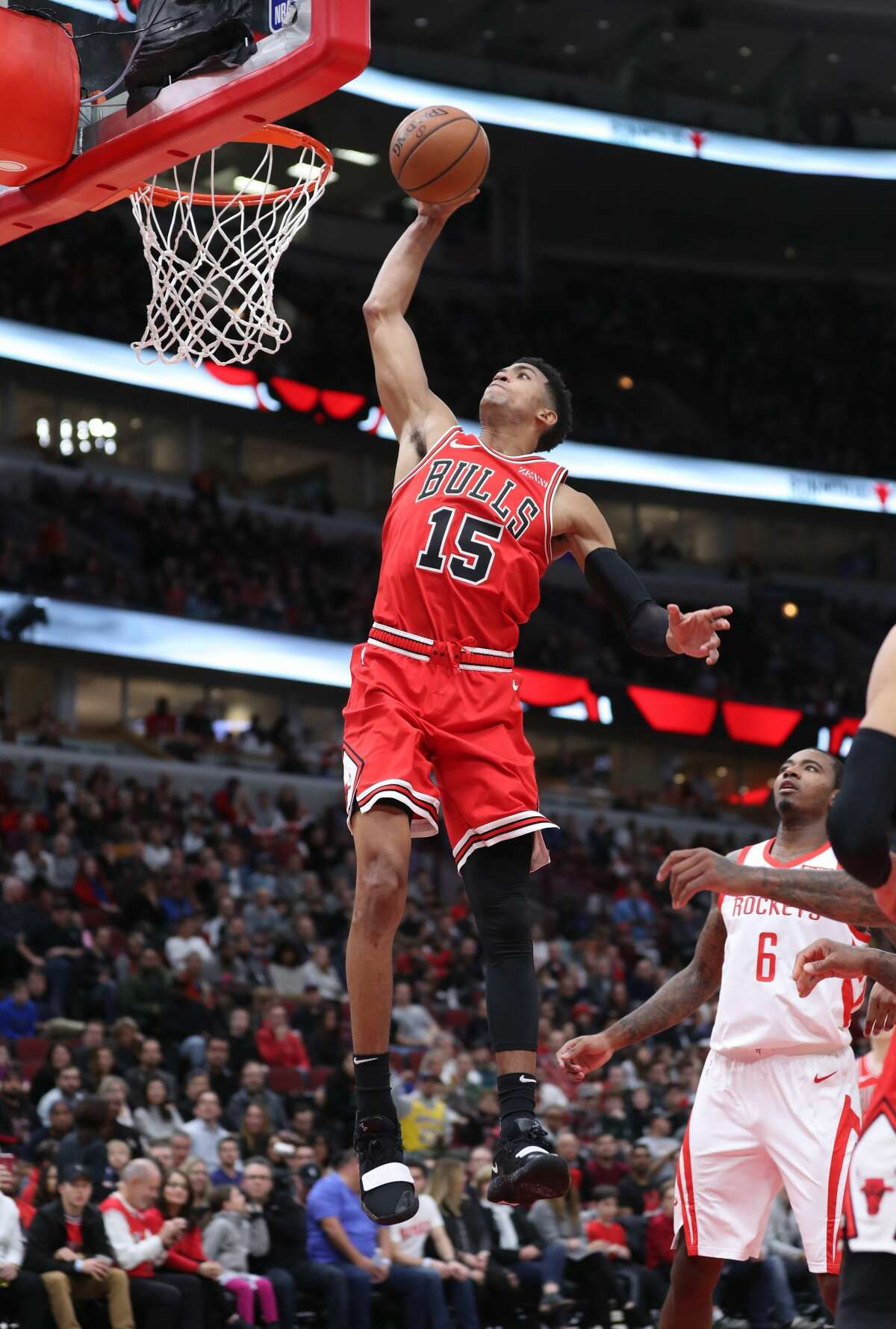 Chicago Bulls forward Chandler Hutchison (15) dunks in the second quarter against the Houston Rockets at the United Center Saturday, Nov. 3, 2018, in Chicago. The Rockets beat the Bulls 96-88. (John J. Kim/Chicago Tribune/TNS)