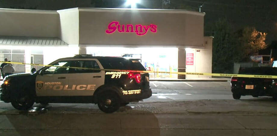 A clerk was killed in an Alief-area convenience store robbery late Saturday. Photo: Metro Video