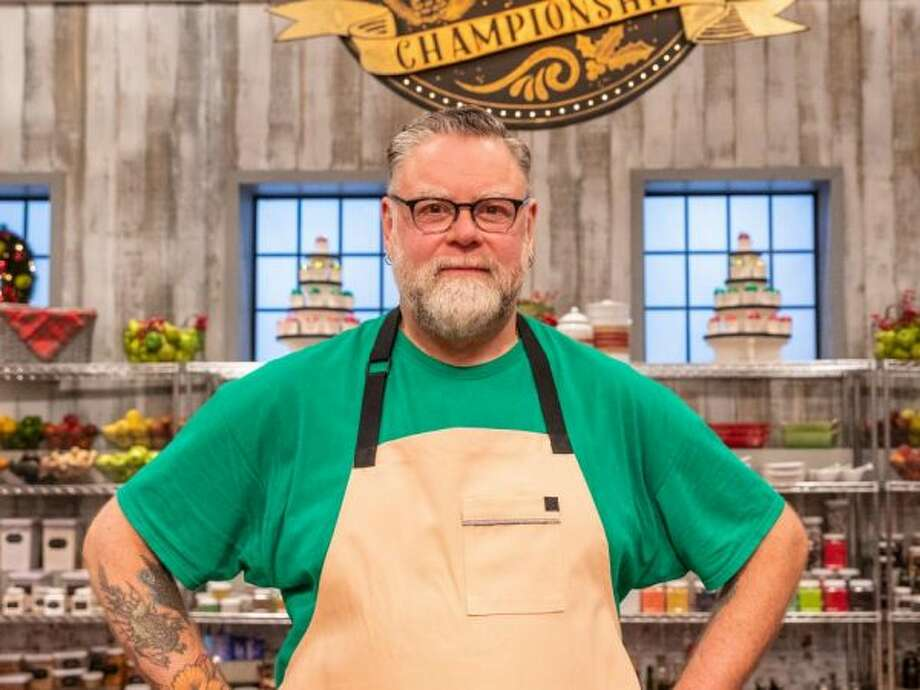 """Dan Raymond on the set of """"Holiday Baking Championship"""" on the Food Network. (Food Network photo) Photo: Food Network Photo"""
