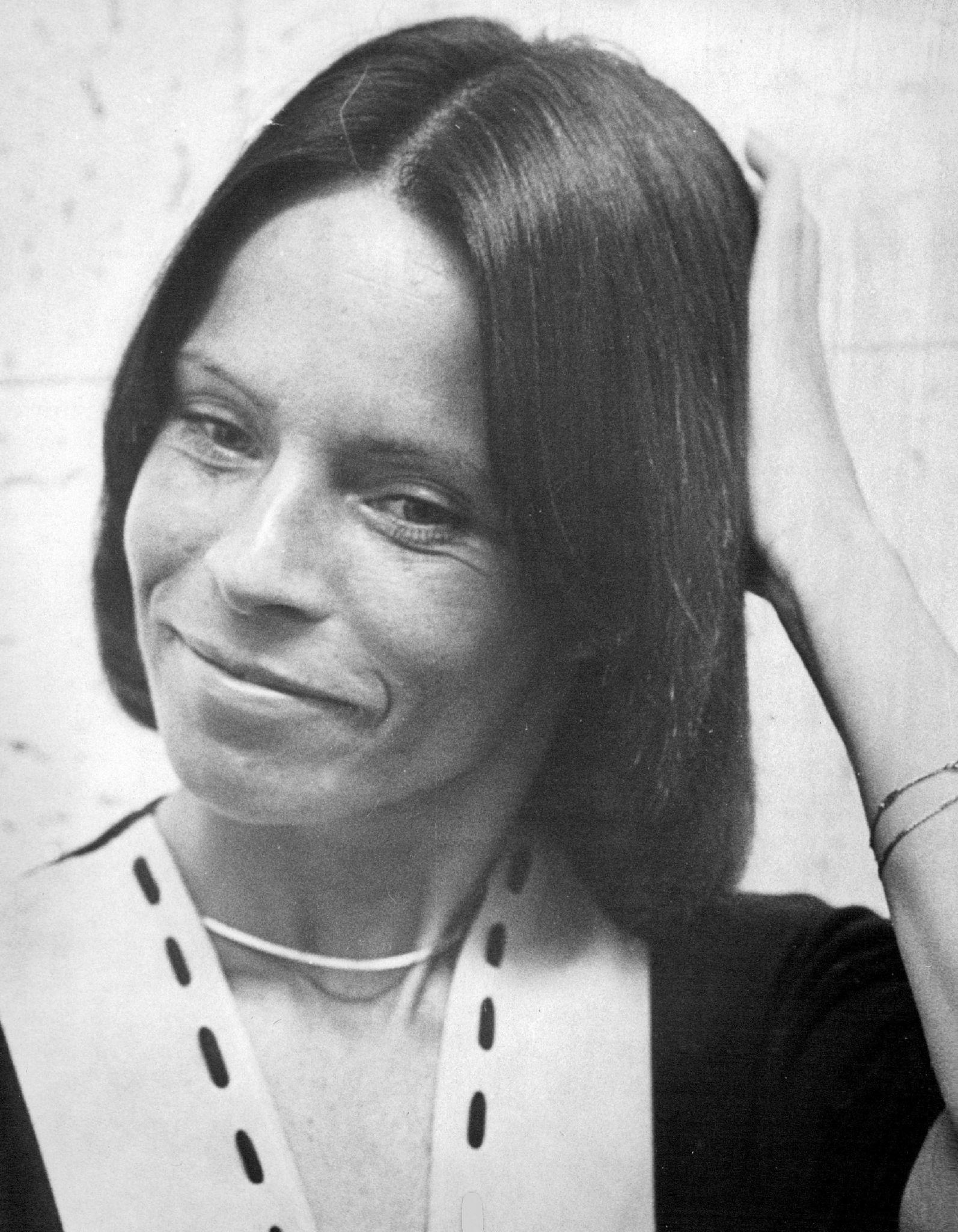 Chyler Leigh,Maggie Smith (born 1934) Erotic fotos Lourdes Robles,Aurora Mardiganian