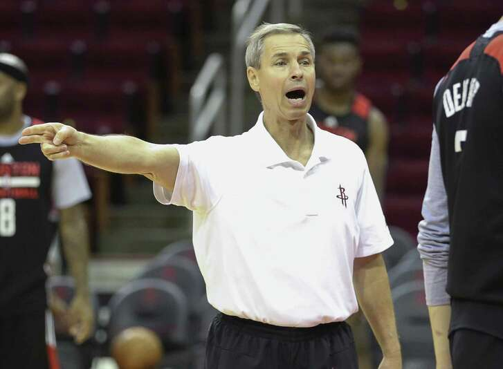 Houston Rockets assistant coach Jeff Bzdelik gives instructions during practice at Toyota Center Friday, April 28, 2017, in Houston. ( Yi-Chin Lee / Houston Chronicle )
