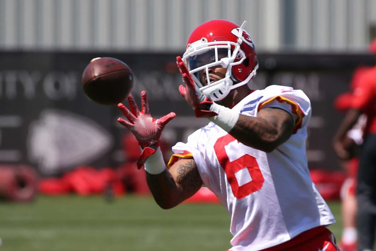 KANSAS CITY, MO - MAY 07: Defensive back Ashton Lampkin (6) catches the ball during the Chiefs Rookie Camp on May 7, 2017 at One Arrowhead Drive in Kansas City, MO. (Photo by Scott Winters/Icon Sportswire via Getty Images)