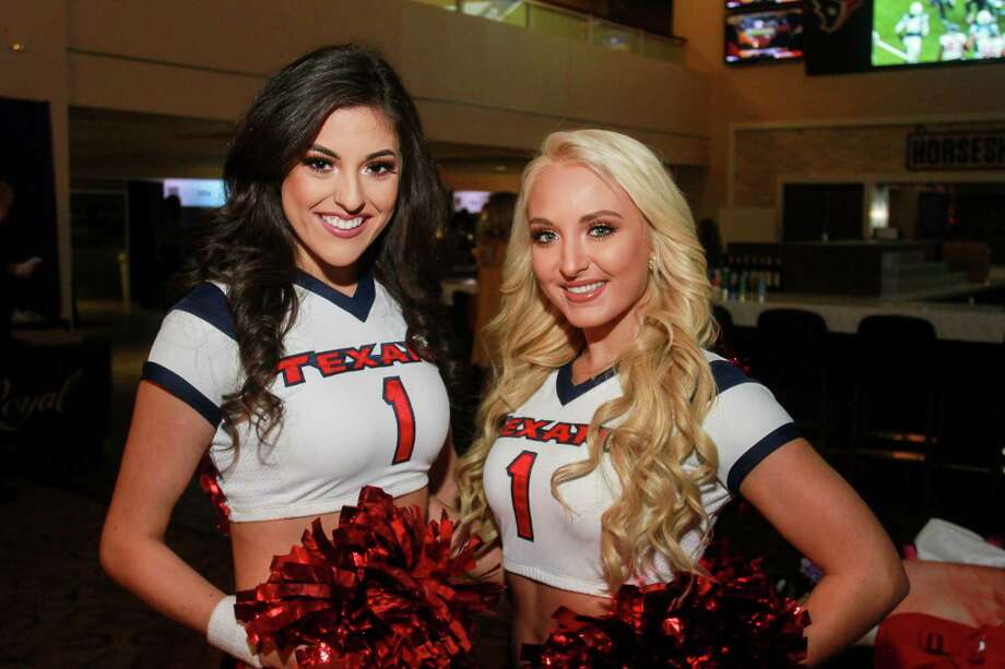Texan cheerleaders Gabrielle, left, and Reese at Taste Of The Texans. Photo: Gary Fountain, Contributor / © 2018 Gary Fountain