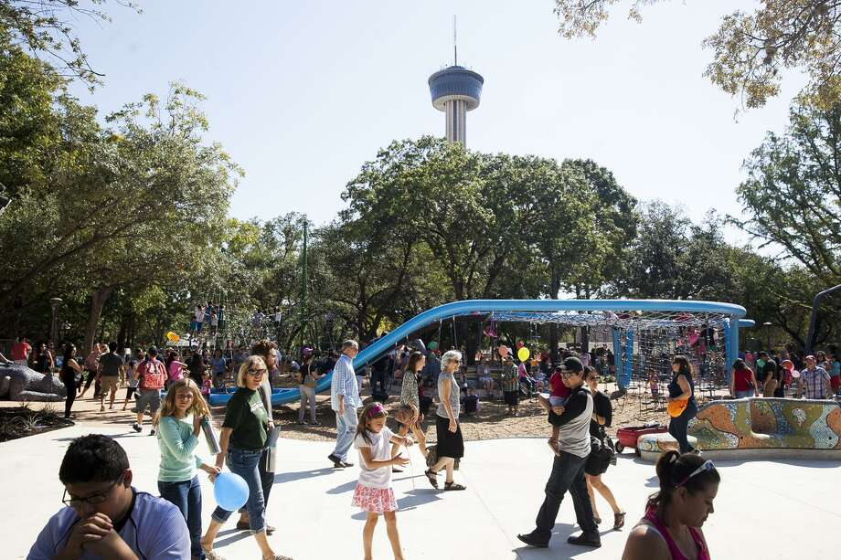 Click ahead to see the Tower of the Americas 2019 movie schedule. Photo: Express-News File Photo / Julysa Sosa For the San Antonio Express-News