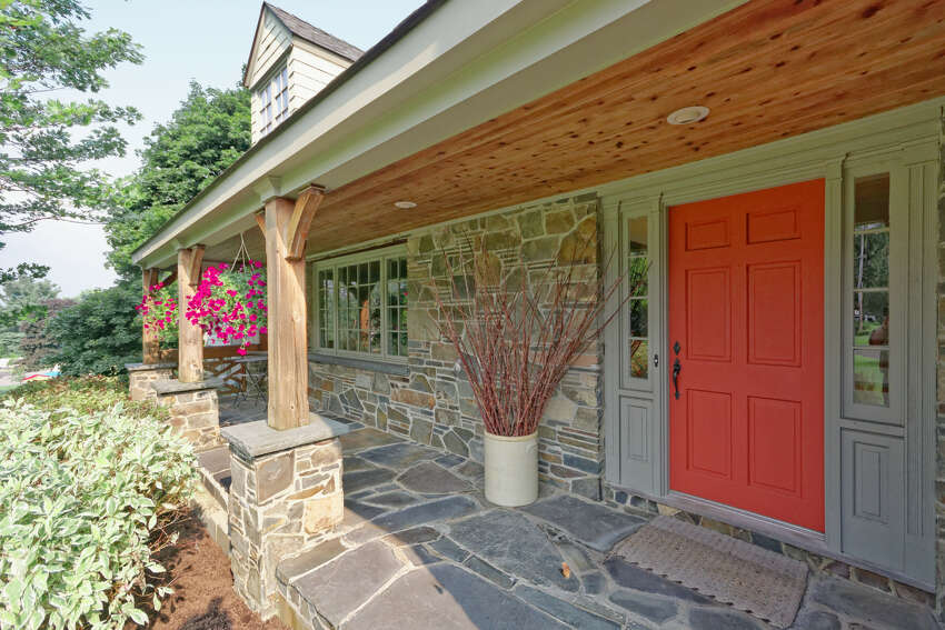House of the Week: 33 Alva St., East Greenbush   Realtor: Vera Cohen of Vera Cohen Realty   Discuss: Talk about this house