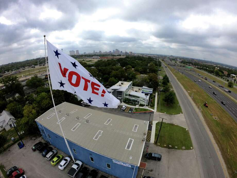 Lyft and VIA will provide transportation to the municipal elections Saturday in order to increase and promote civic engagement among the San Antonio community. Photo: Billy Calzada /Staff File Photo / San Antonio Express-News