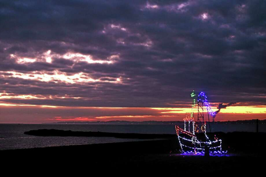 A Fantasy of Lights display at sunset in Lighthouse Point Park in 2014. Photo: Peter Hvizdak / Hearst Connecticut Media / ©2014 Peter Hvizdak