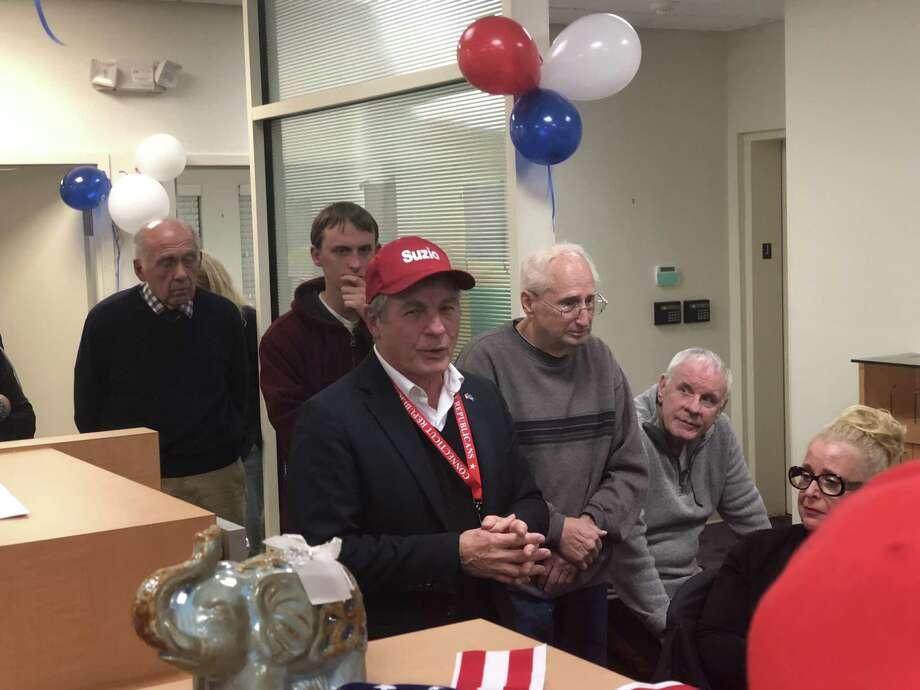 State Sen. Len Suzio announces his loss to his supporters Tuesday. Photo: Ed Stannard / Hearst Connecticut Media