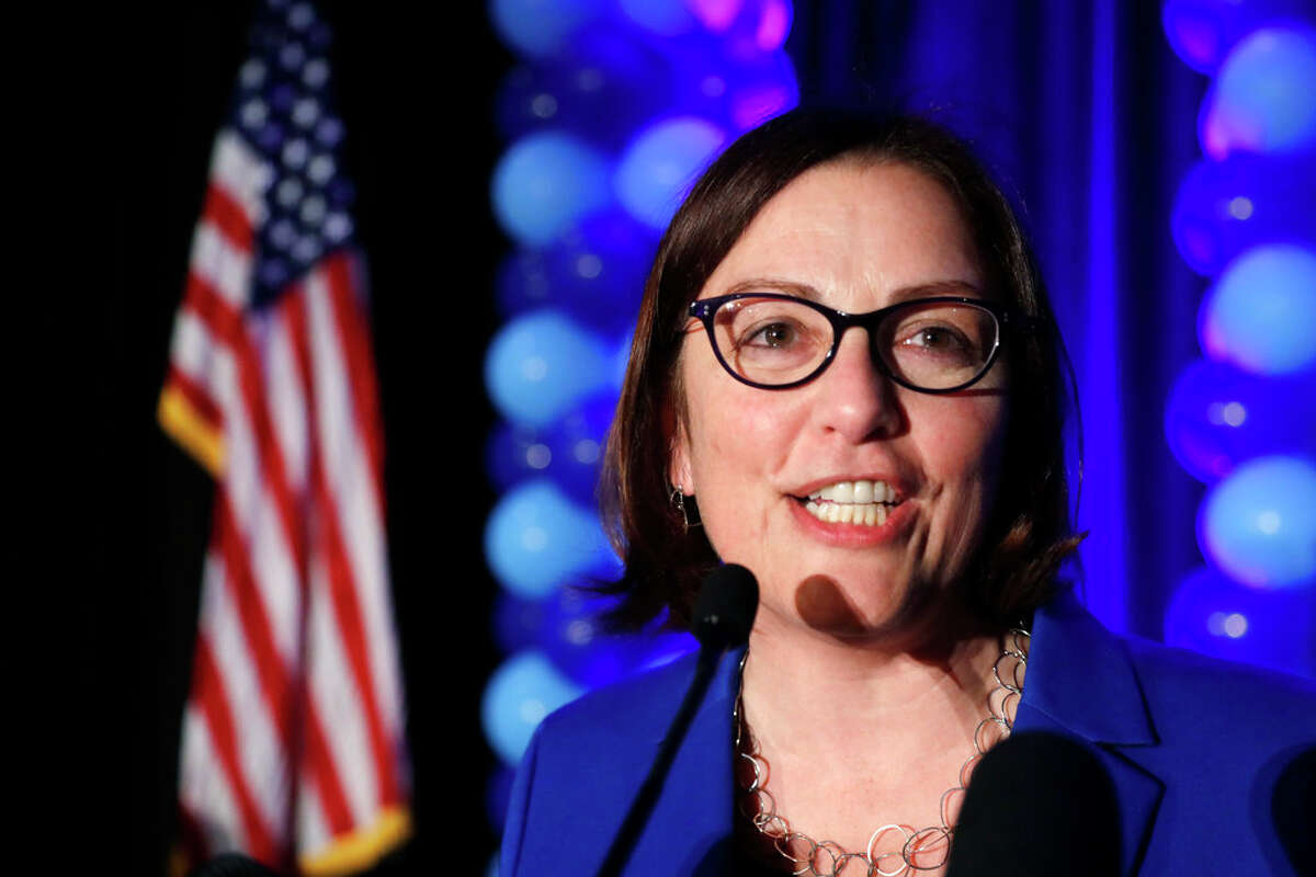 Suzan DelBene (prefers Democratic Party): 39,481 votes/70.21% Jeffrey Beeler, Sr. (prefers Republican Party): 10,403 votes/18.5% Derek Chartrand (prefers GOP Party): 3,932 votes/6.99% Steven Skelton (prefers Libertarian Party): 1,052 votes/1.87% Justin Smoak (states no party preference): 952 votes/1.69% Matthew Heines (states no party preference): 184 votes/0.33% Robert Dean Mair (states no party preference): 159 votes/0.28%  Write-in: 71 votes/0.13%